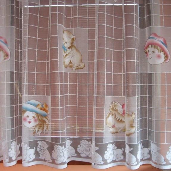 Panenky, hotová záclona