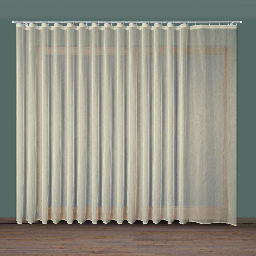 Jaruše, krémová záclona