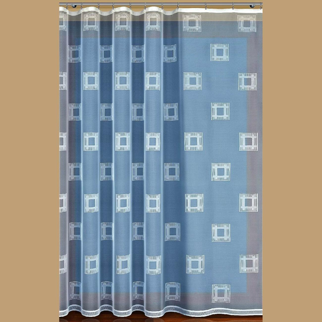 Kubi, hotová záclona