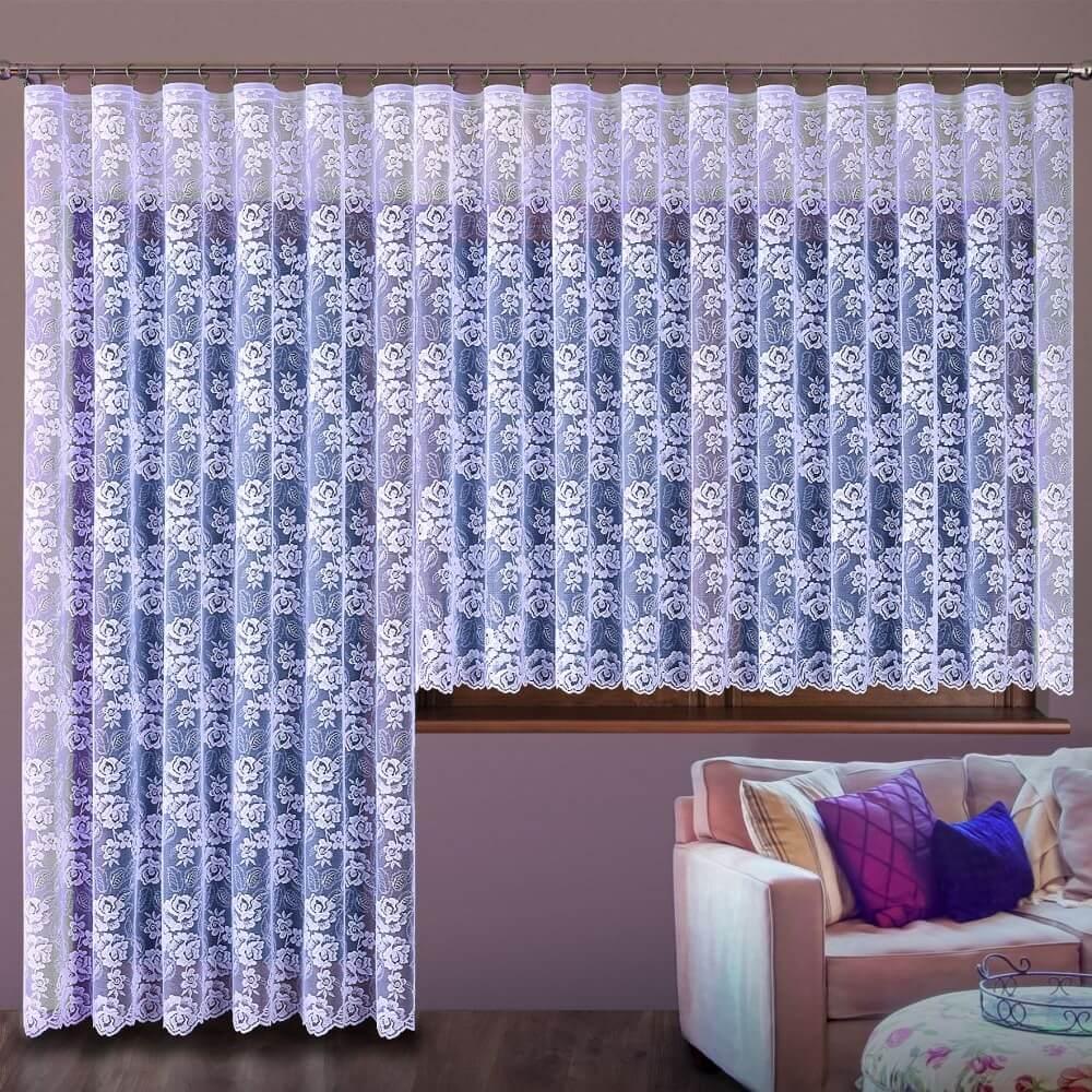 Manuella bílá záclona