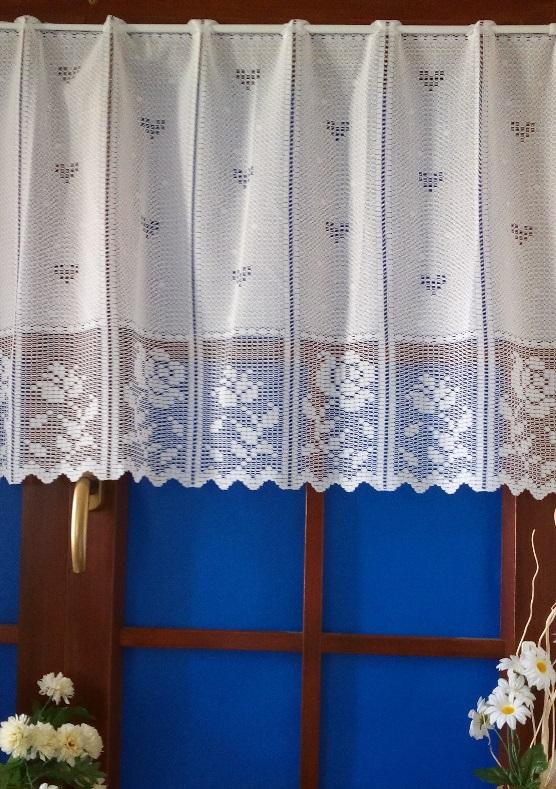 Růžičky, vitrážová záclona